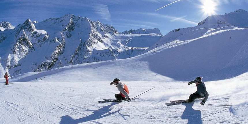 5 tips on cutting the cost of your ski holiday